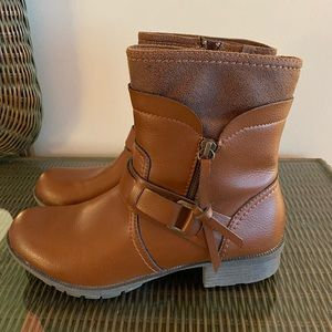 Clark's tan ankle boots